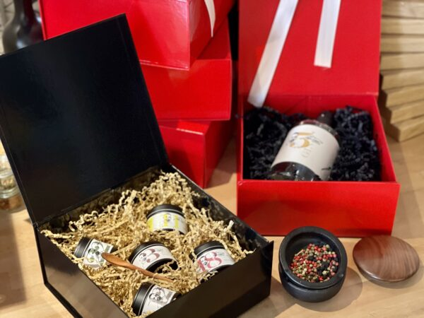 Geschenkbox mit Magnetverschluss schwarz scaled